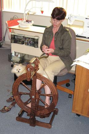 Spinning_first_bobbin_of_yarn_for_b