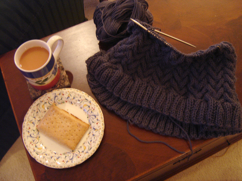Rainy_sunday_knitting